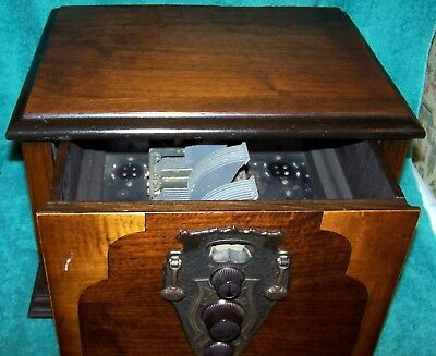 1928 All American Mohawk 6 Tube Battery Radio .. Navajo Series  Set VG ... Cond