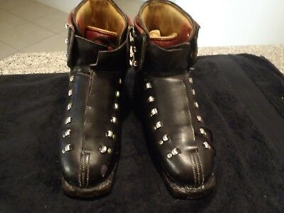 VINTAGE / RETRO NORDICA SKI BOOTS AND BAG 1960s LEATHER