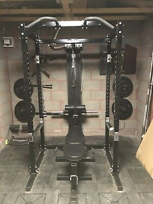 Powertec Weightlifting Cage, Bench & Pulley / Bench Press / Squats / Gym / Rack