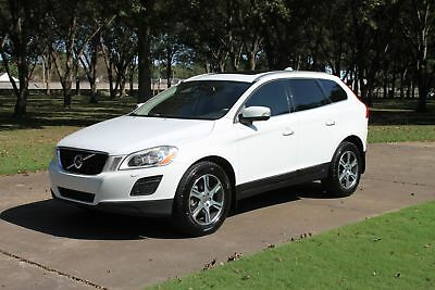 2011 Volvo XC60 3.2L T6 AWD Perfect Carfax Great Service History Heated Leather Seats Pano Roof Michelins