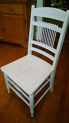 Antique Country Painted Kitchen Windsor Chair ( pickup only)