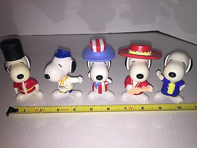 Five Assorted Snoopy Countries Of The World Toys Head And Feet Move