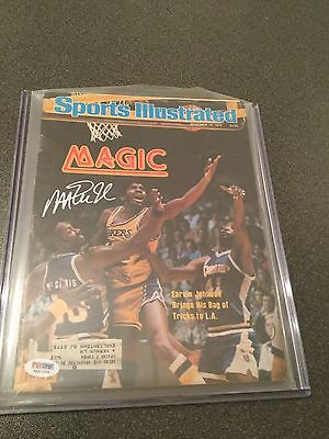 Magic Johnson Signed 1979 SI Magazine (PSA/DNA)