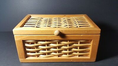 small wooden hindge basket