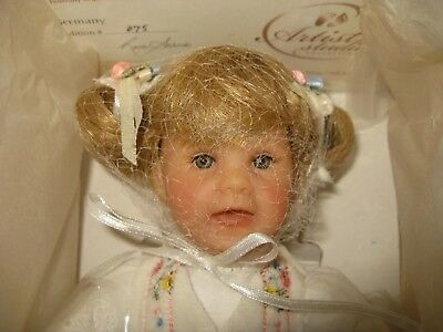 "NRFB 9"" Lee Middleton Miniatures Doll Germany"