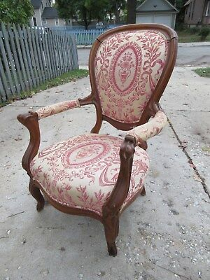 Antique Victorian walnut upholstered chair. No Reserve! Pickup only.