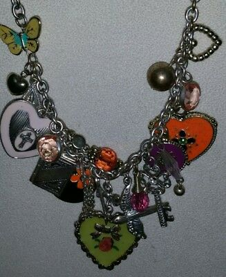 Vintage 1970s silver tone 'charm ' necklace. Costume jewellery.