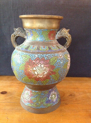 BEAUTIFUL BRONZE TWIN HANDLED CHAMPLEVE FLORAL MOTIF VASE 24cm TALL
