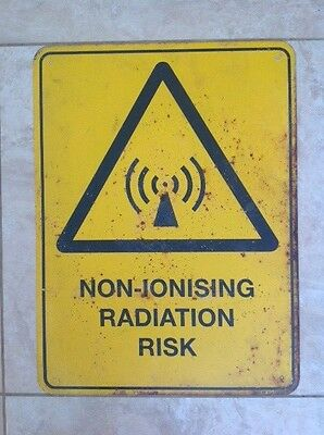 METAL SIGN NON-IONISING RADIATION RISK 60cmX45cm COOL MANCAVE ZOMBIE APOCALYPSE