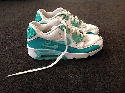 Girls Nike Air Max trainers Size 5Y