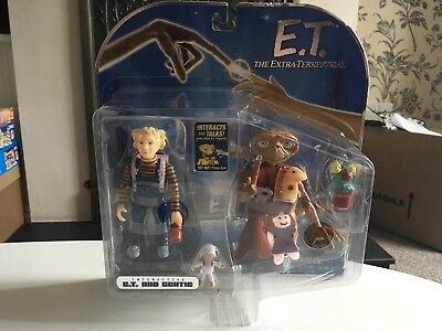 E.T. Extra-Terrestrial 2001 Toys R Us Gertie & E.T. Figures Double Pack MOC