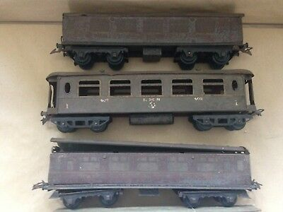 Job lot of three very poor Hornby O Coaches - for spares