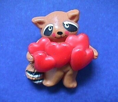 BUY1&GET1@50%~Fun World PIN Valentines RACCOON RED HEARTS Vtg Holiday Brooch
