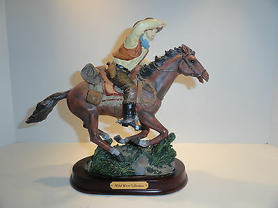 Herco Gift Professional Cowboy on Horse Wild West Collection