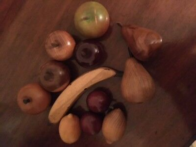 12 pieces of wooden fruit