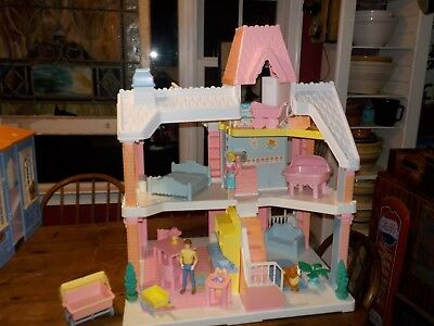 Vintage 1991 Playskool Dollhouse  With Lots Of Accessories