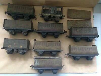 Job lot of very poor Hornby O Coaches and Wagons - for spares
