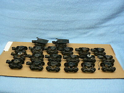 Lionel O Trucks And Couplers Lot Of 20