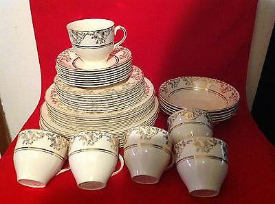 Alfred Meakin 1945+ Cream & Gold 39 Piece Dinner Set - 6 Different Pieces In Set