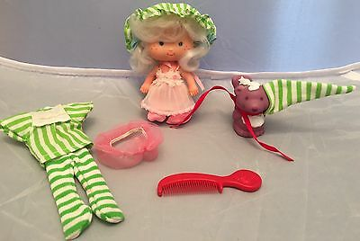 Vintage Strawberry Shortcake Doll Apricot,Pet Skunk Souffle,Kenner,berry-wear