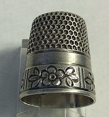 Antique Waite, Thresher Sterling Silver Cartouche Floral Design Thimble Sewing