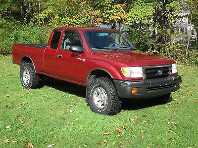2000 Toyota Tacoma SR5 2000 TOYOTA TACOMA SR5 4X4 Extended Cab, only 76,000 low miles