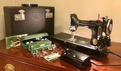 Amazing 1939 Singer 221 Featherweight Sewing Machine With Accessories/Case/Pedal