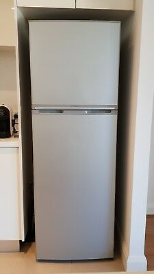 Westinghouse Fridge Freezer 340L WTB3400PA