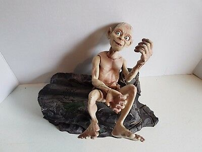 Vintage Lord of the Rings 2003 Gollum Figure on Rock *Talking* Marvel Ent