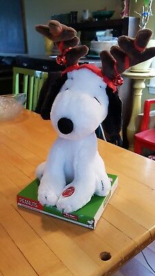 PEANUTS Animated Snoopy Christmas Reindeer Plush Stuffed Music Motion Dancing