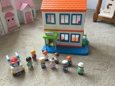 ELC Happyland Hospital WITH FULLY WORKING LIGHTS SOUNDS Figures