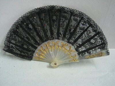 Antique  small fan in plastic and income with sequins