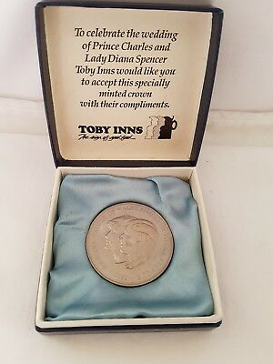 Boxed 1981 Five Pound £5 Coin H.R.H The Prince of Wales and Lady Diana Spencer