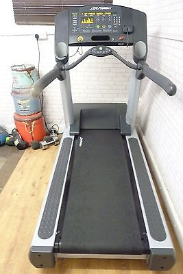 Life Fitness Cst Integrity Series Treadmill  Free Delivery