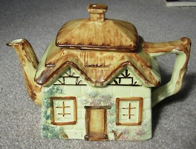 Vintage * Paramount Ppc England * Thatched Cottage     Teapot    Pottery