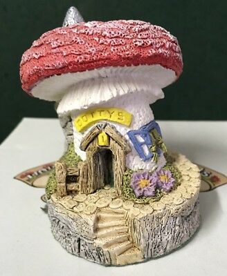 Fraser Creations - Tinto Valley Toadstools - Dottys House