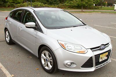 2012 Ford Focus SE ford focus hatchback 2012 5spd manual 90K miles extra clean w/many extras