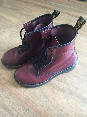 Doc Martens Cherry Red Size US 7