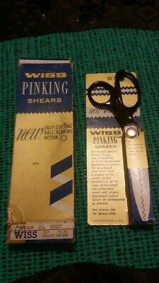 Vintage Wiss Pinking shears  in box 6.5 inches