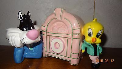 SYLVESTER AND TWEETY JUKE BOX CERAMIC BANK 1994 WarnerBro