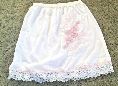 "VINTAGE 1960's Little Girls Half SLIP Size 6 ~ 12.25"" L"