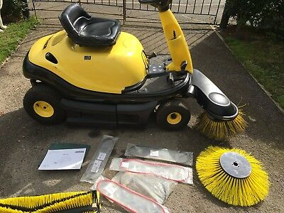 Karcher Kmr 1000T Petrol Ride On Yard / Driveway / Warehouse Sweeper