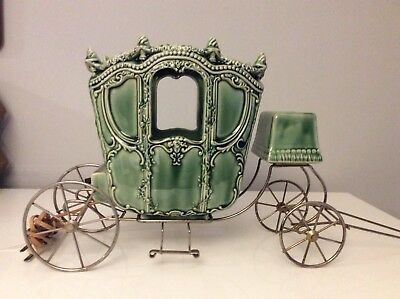Vtg Mid Century Ceramic Cinderella's Carriage Tv Lamp With Brass Stand
