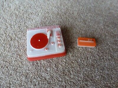 Vintage 1960's Sindy Doll record player and radio