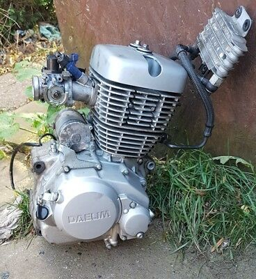 daelim vj 125 engine and injection carb