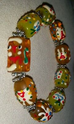 Vintage 1960s colourful stretch GLASS beaded bracelet. Costume jewellery.