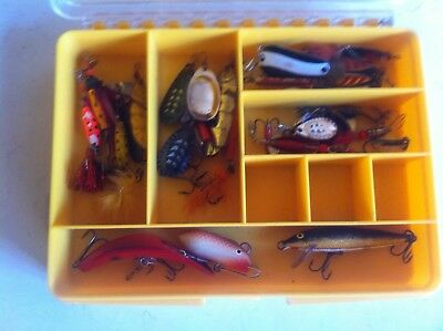 23 Spinners Plug Lures In Plastic Tackle Box