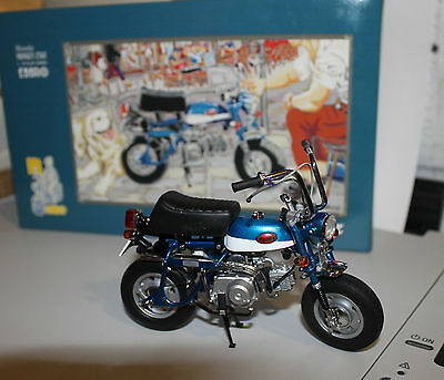 EBBRO 1/10 Honda Monkey Z50 - 10021 - BLEU - NEW