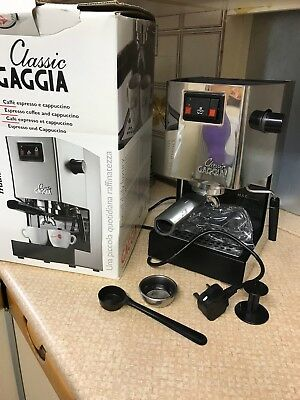 Gaggia Classic 2 Cups Espresso Machine - Chrome