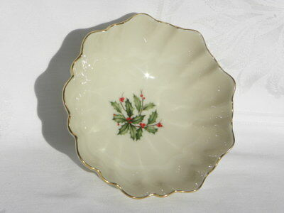 Vint Lenox Holiday Dimension Special Holly & Berry Fluted Bon Bon Bowl 22K Gold